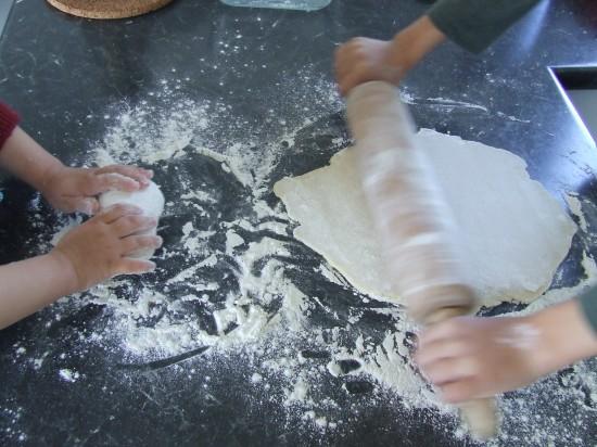 Les mains dans la farine